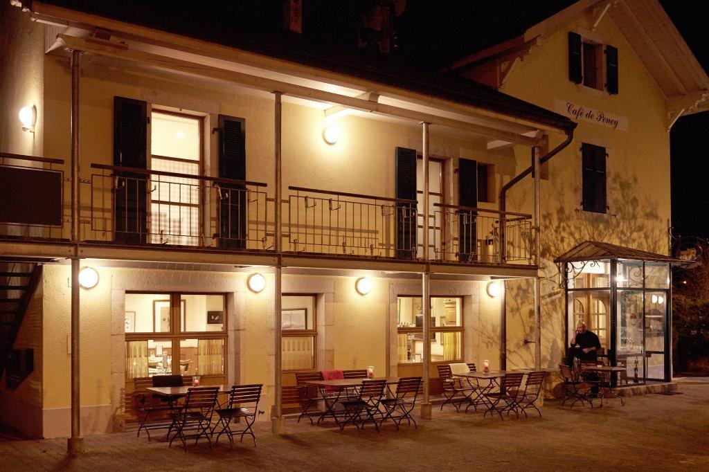 restaurant ouvert le dimanche soir caf de peney. Black Bedroom Furniture Sets. Home Design Ideas